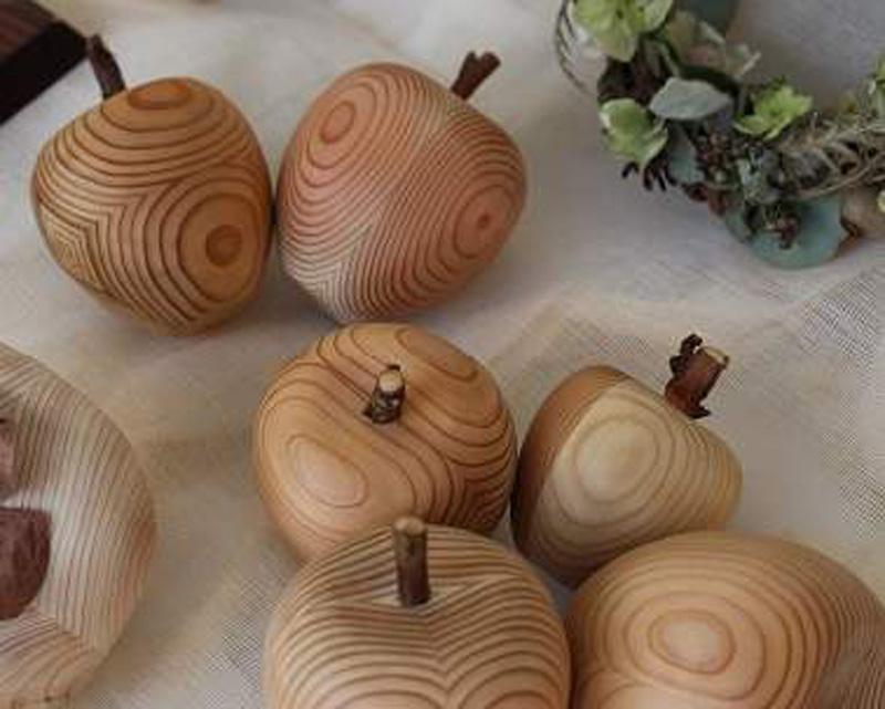 【木】:奈良の木の小物がたくさん!木のおもちゃで遊べるキッズコーナーも